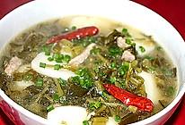 酸菜肉丝年糕汤的做法