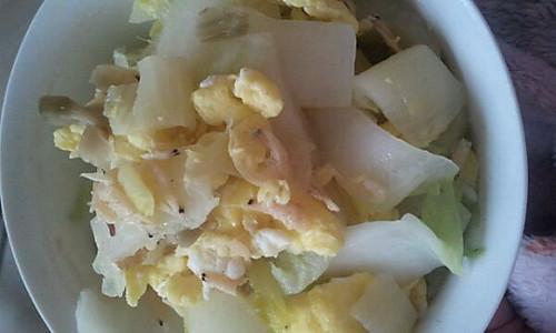白菜炒鸡蛋的做法