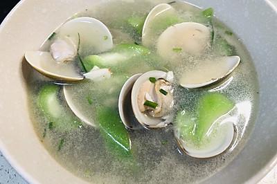 蛤蜊丝瓜汤,特别的鲜~