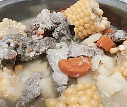 腔骨炖玉米汤的做法