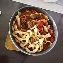 西红柿牛肉拉面