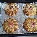 椰蓉花形面包的做法