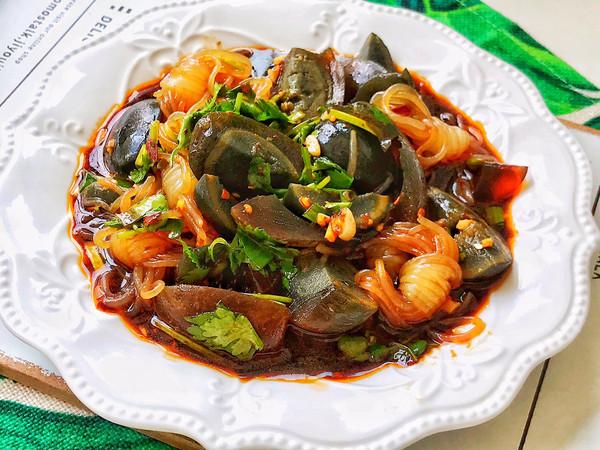 酸辣开胃的夏日凉拌菜,凉拌皮蛋魔芋丝的做法