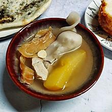 鳄鱼肉干海底椰汤
