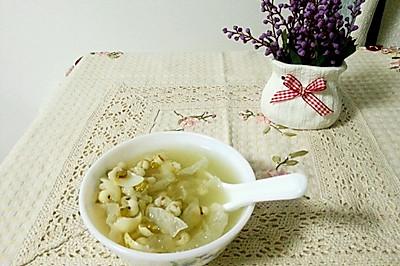梅雨季节祛湿宝贝:银耳薏米百合绿豆粥