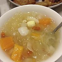 银耳雪梨木瓜营养汤的做法图解2
