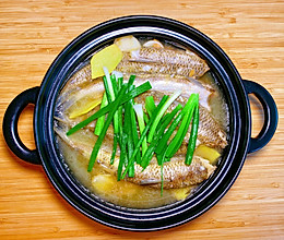 一看就会做的鲜煮鱼煲的做法
