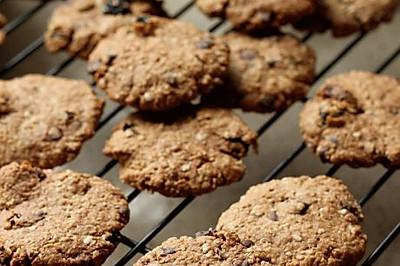 巧克力豆果干燕麦饼干