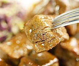 这一块牛肉粒 吸饱了红酒和香料的精华——红酒烩牛肉的做法