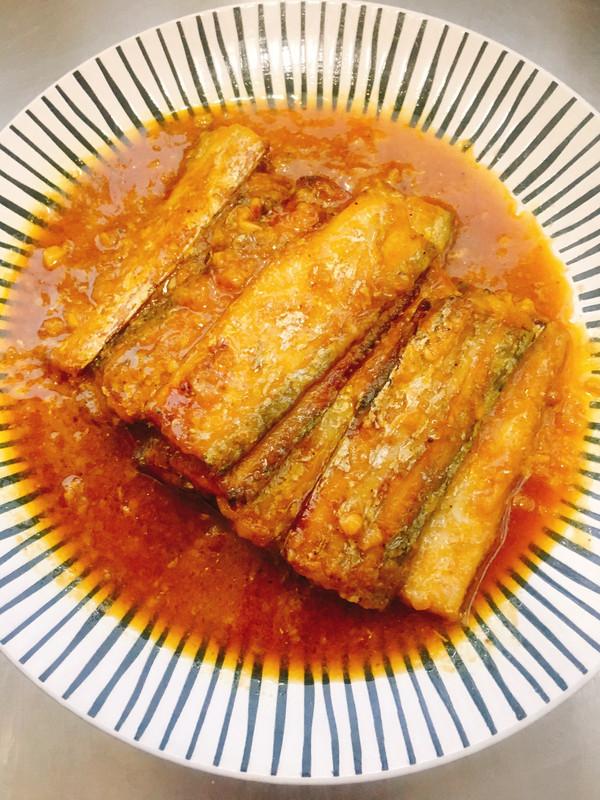 金汤蒜蓉带鱼的做法