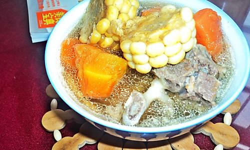 玉米胡萝卜排骨汤的做法
