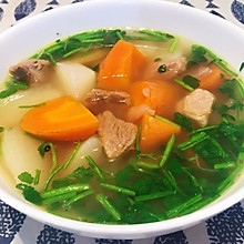 至简味醇、汤鲜肉美的清炖羊肉汤