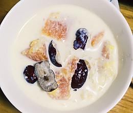 木瓜牛奶银耳羹的做法