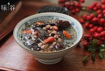 养气血的黑豆首乌煲乌鸡汤的做法
