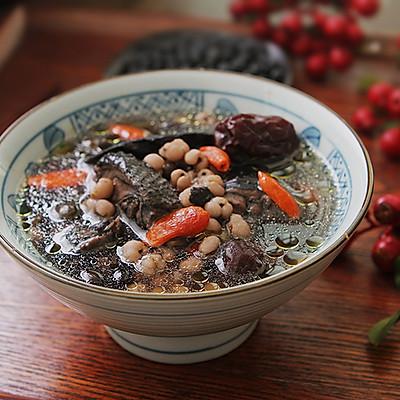 养气血的黑豆首乌煲乌鸡汤