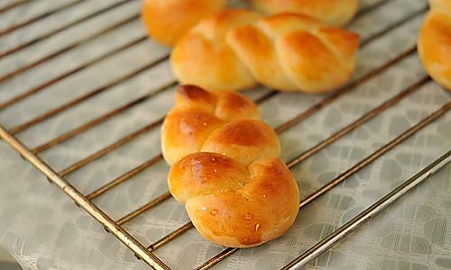 花式牛奶面包#九阳烘焙剧场#的做法