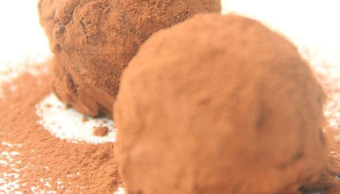 情人节最有心意的礼物——松露巧克力