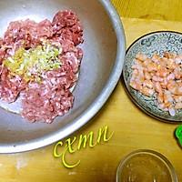 回味无穷,鲜嫩多汁的鲜肉大虾仁水饺,你吃了没有~的做法图解2