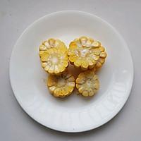 菌菇玉米排骨汤#春天肉菜这样吃#的做法图解3