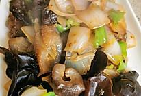 洋葱木耳炒海参的做法