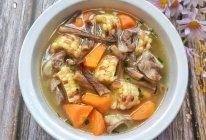 #我的养生日常-远离秋燥#排骨菌菇玉米胡萝卜汤的做法