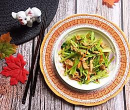 芹菜胡萝卜炒肉丝的做法
