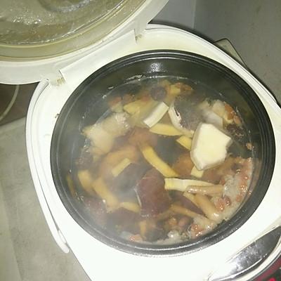广东老火汤--椰子煲鸡汤