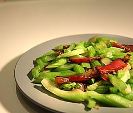 [10分钟系列]芹菜炒腊肉的做法