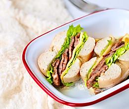 香辣牛肉贝果三明治的做法