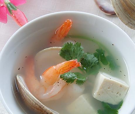 文蛤虾仁豆腐汤