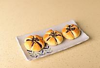 花朵豆沙面包的做法