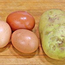 土豆不要直接炒了,加3个鸡蛋,比肉还香