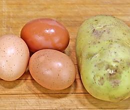 土豆不要直接炒了,加3个鸡蛋,比肉还香的做法