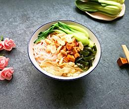 鸡汤米线#快手又营养,我家的冬日必备菜品#的做法