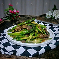 猪肉炒芦笋的做法图解8