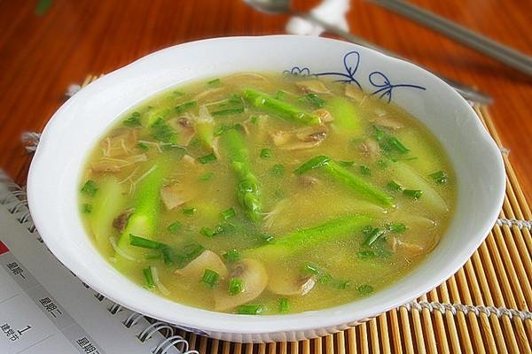 芦笋干贝蘑菇羹的做法