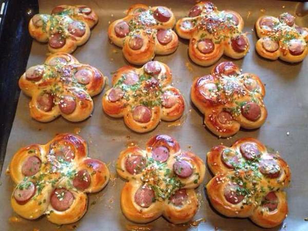 香葱热狗面包的做法