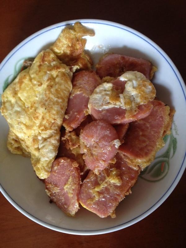 香煎午餐肉-户外美食的做法