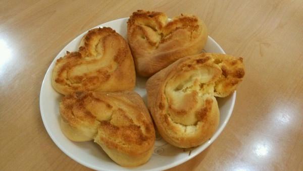 心形椰蓉面包  的做法