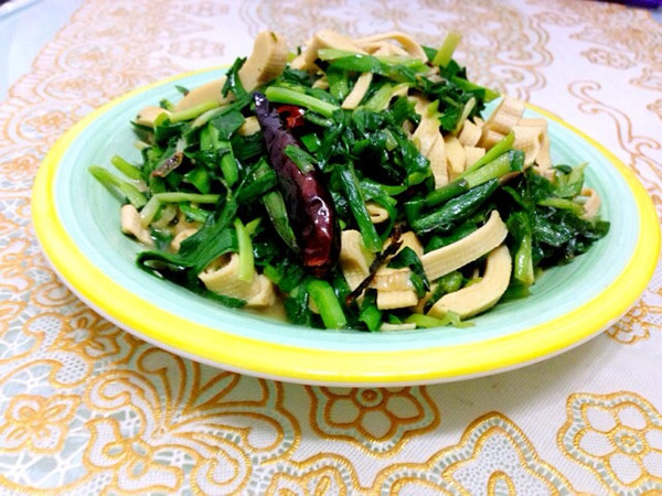 干豆腐炒韭菜的做法