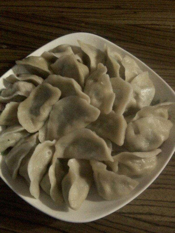 三鲜荠菜饺子的做法