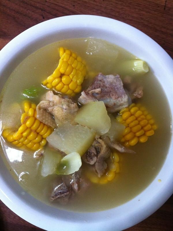 冬瓜玉米排骨汤的做法
