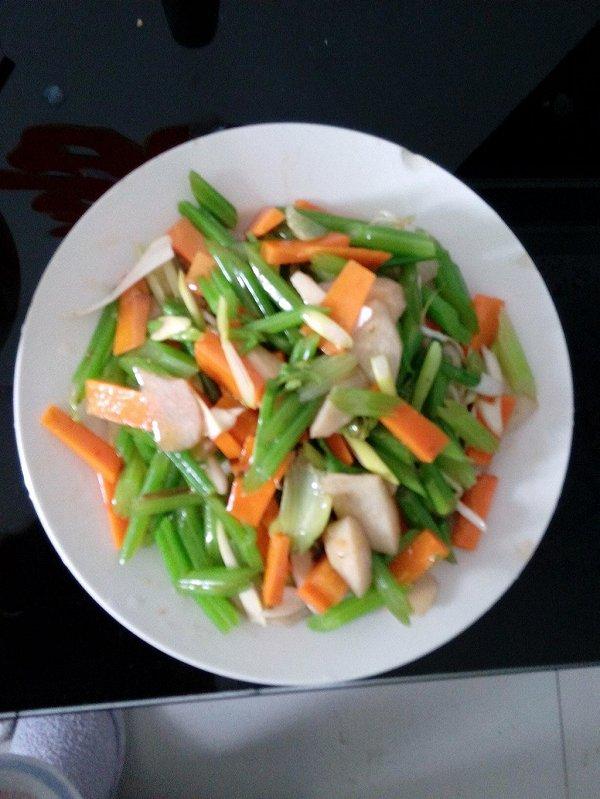 拌芹菜三丝的做法