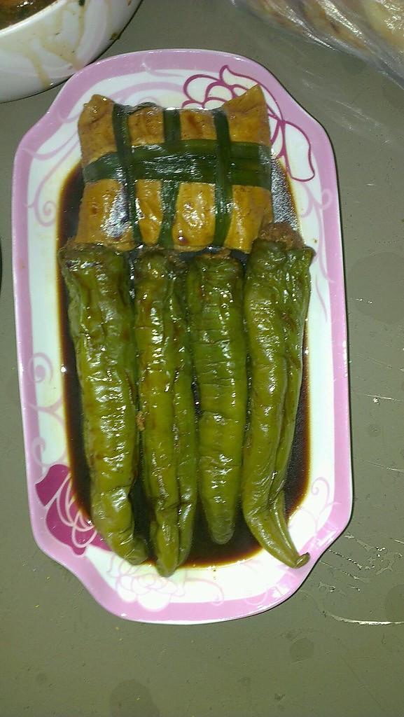 油焖酿肉辣椒的做法