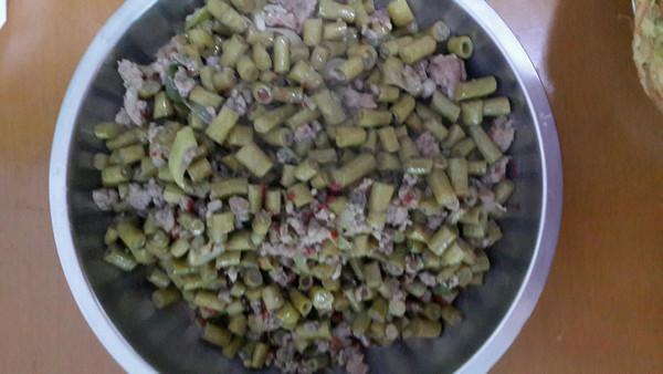 二十四小时腌制出酸豆角的好方法--肉末酸豆角的做法