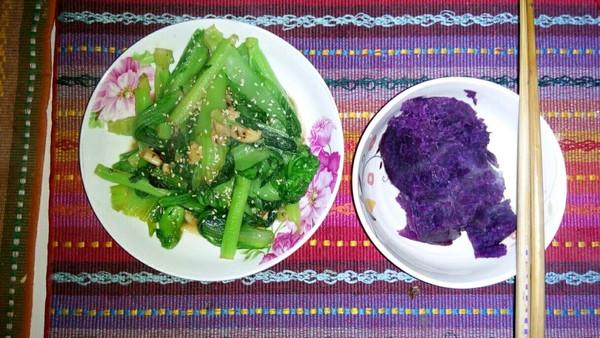 清炒芥菜和紫薯的做法