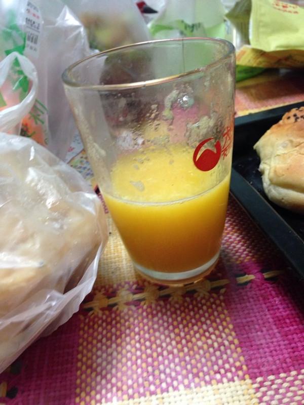 西芹柳橙汁的做法