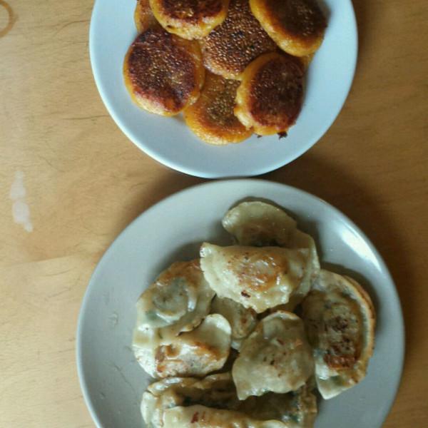 煎饺和地瓜饼的做法