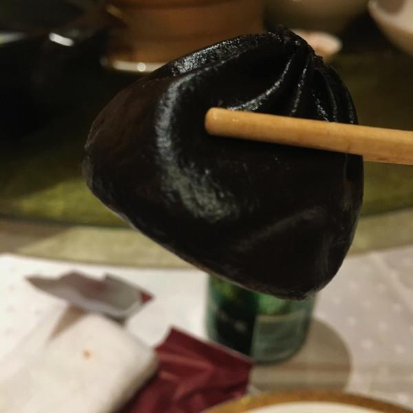 墨鱼汁小笼包的做法