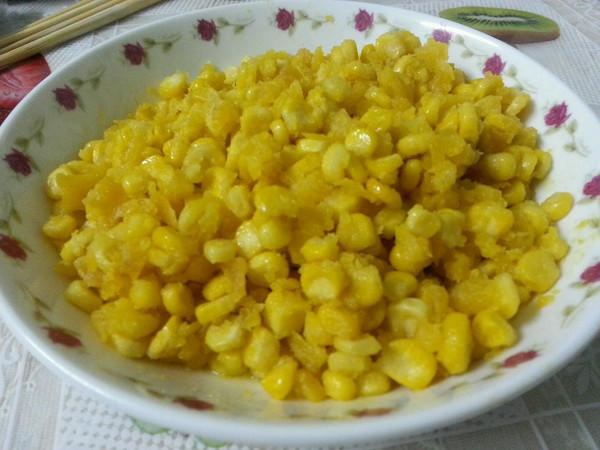咸蛋黄焗玉米的做法